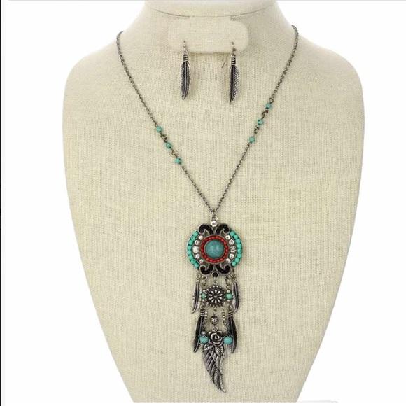 Jewelry - Western Necklace & Earring Set